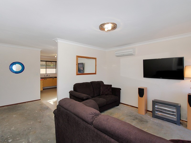 8 Rosewood Heights, Craigie WA 6025