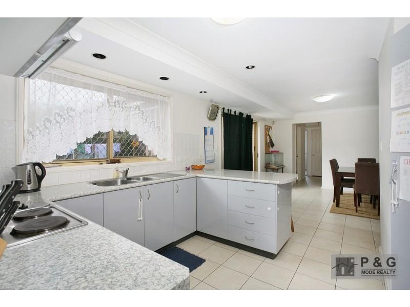 22 Burke Street, Chifley NSW 2036