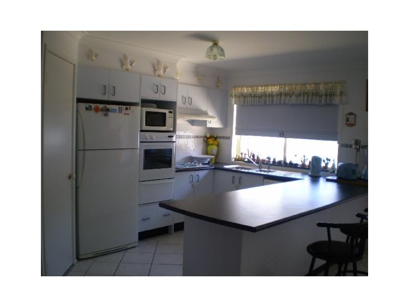 16 Stuart St, Abernethy NSW 2325