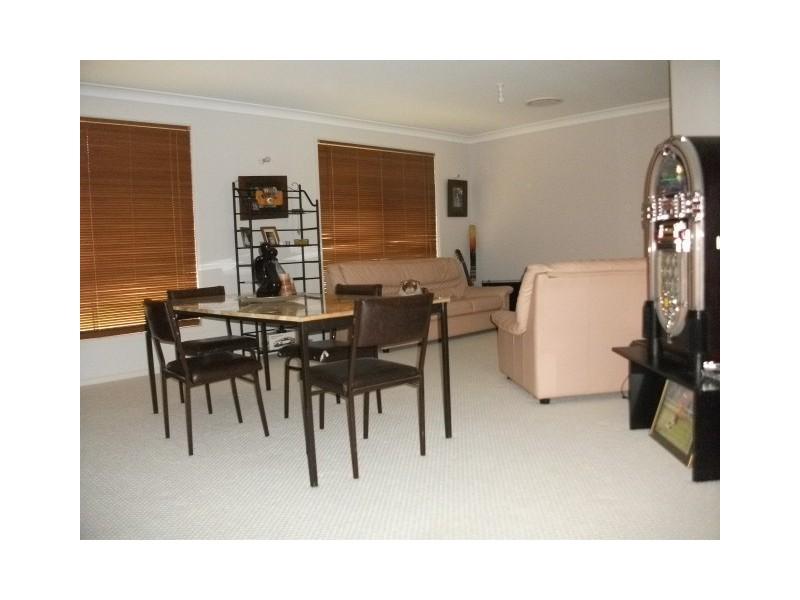 6 Stirling Street, Abernethy NSW 2325