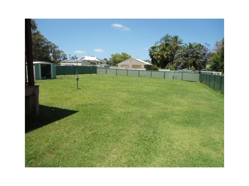 14 Stirling Street, Abernethy NSW 2325