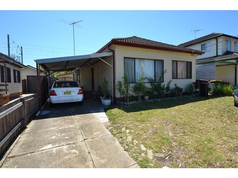 17 Vivian Crescent, Berala NSW 2141