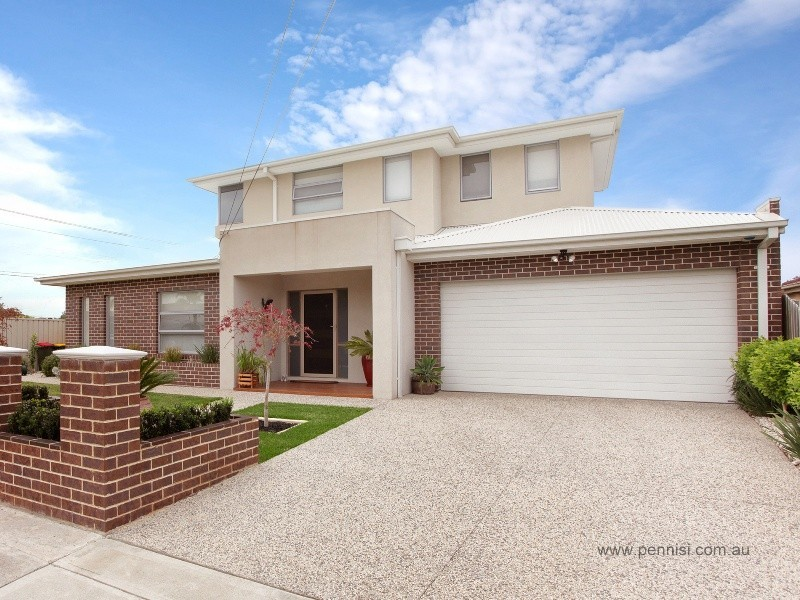 72 Quinn Grove, Keilor East VIC 3033