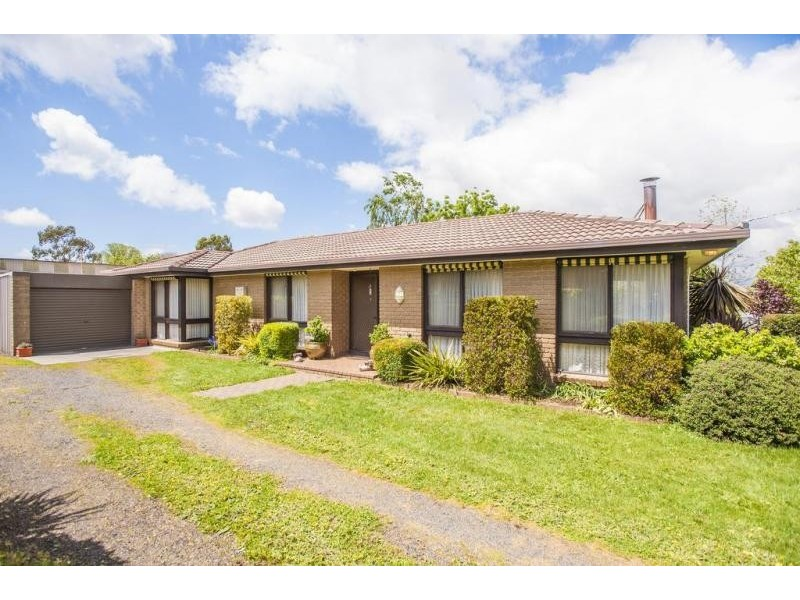 14 Woodend Tylden Road, Tylden VIC 3444
