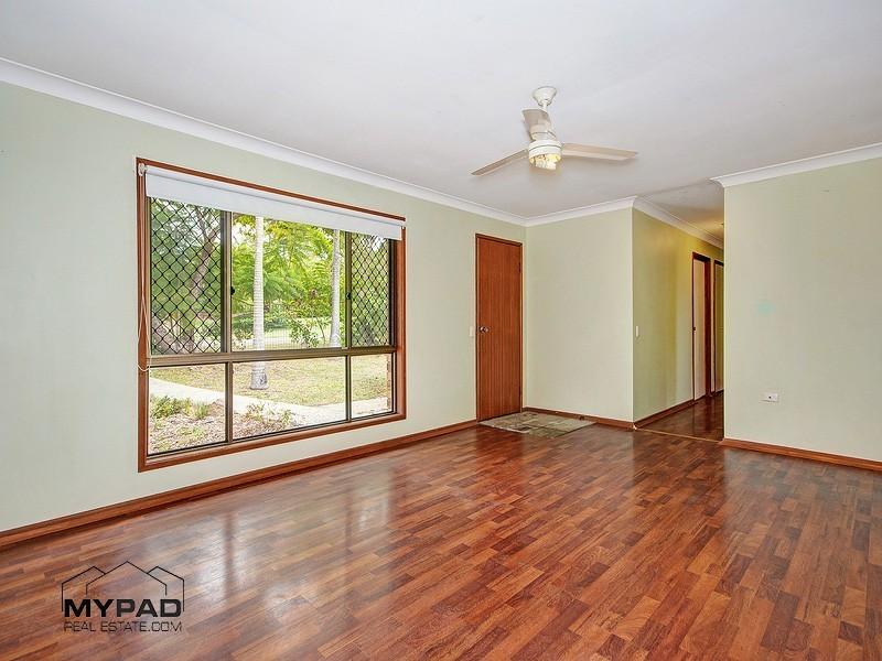 5 Topham St, Hillcrest QLD 4118