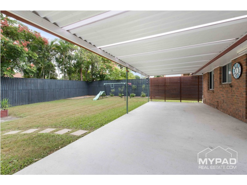 8 Hayes Court, Marsden QLD 4132