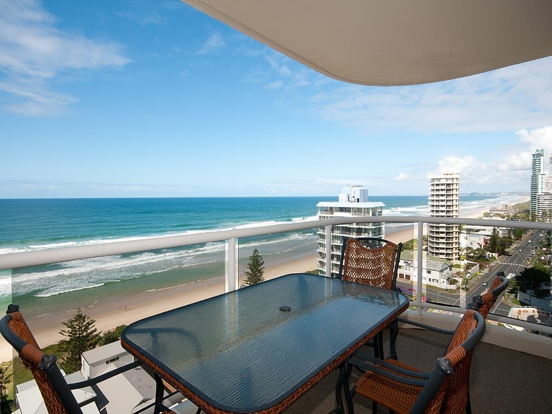 59 PACIFIC STREET, Main Beach QLD 4217