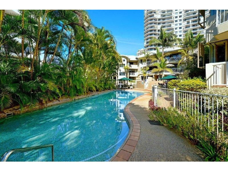 13 Montgomery Avenue, Main Beach QLD 4217