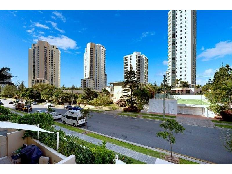 46 PACIFIC STREET, Main Beach QLD 4217