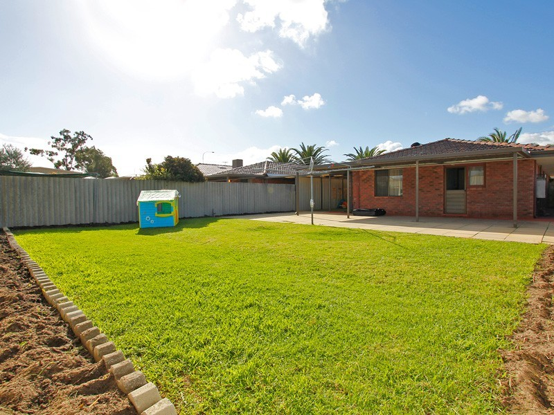 364B Hammond Road, Success WA 6164