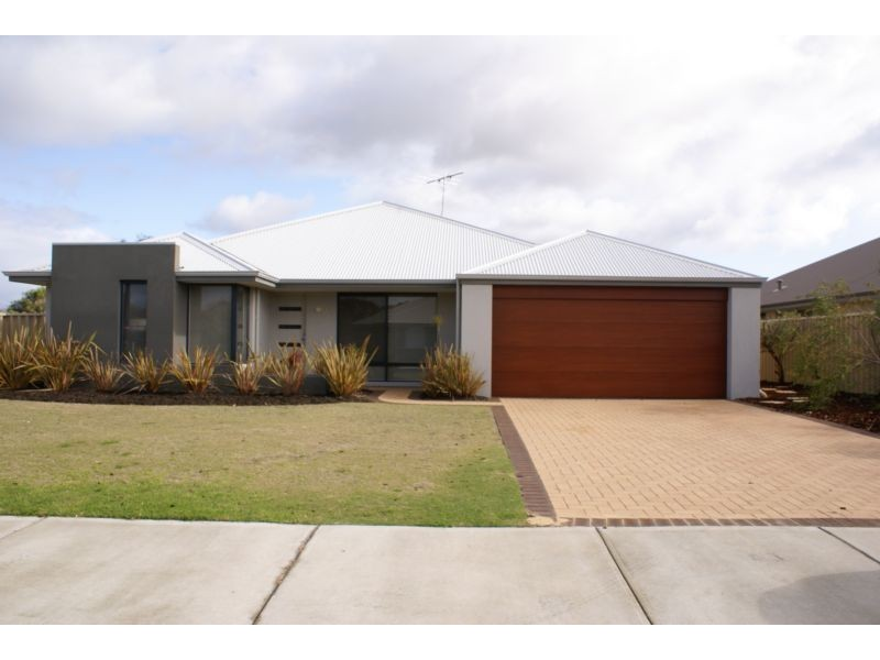 6 Woolybush Turn, Abbey WA 6280