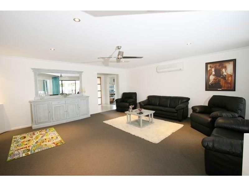 9 Tibrogargan Place, Pelican Waters QLD 4551