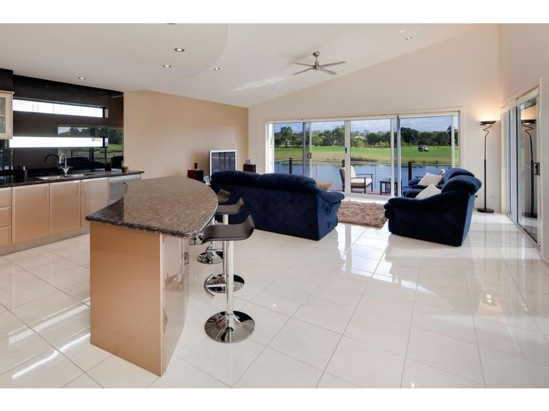 17 Francis Court, Pelican Waters QLD 4551