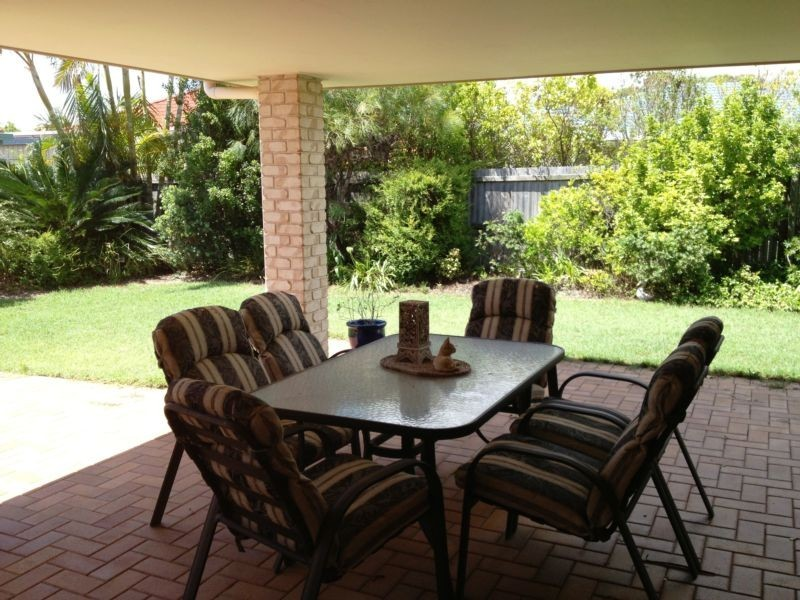 2 Gillingham Place, Pelican Waters QLD 4551