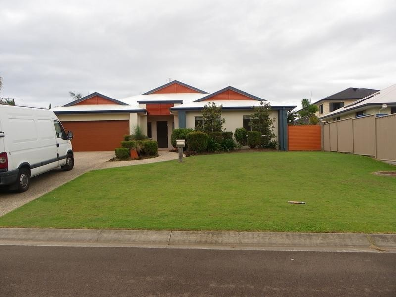 34 Wallaby Circuit, Pelican Waters QLD 4551