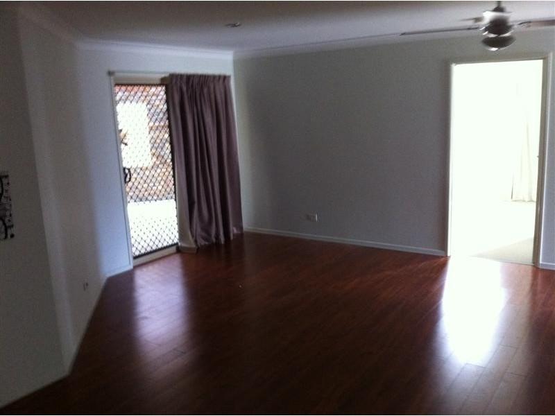 91 High Street, Blackstone QLD 4304