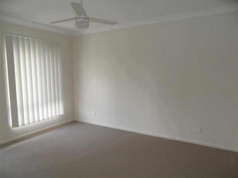 90 High Street, Blackstone QLD 4304