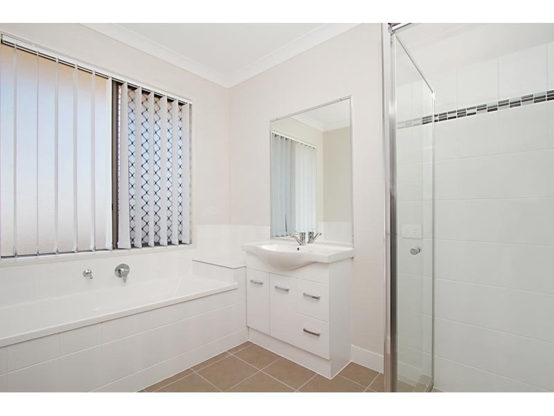 14 Bowen Place, Blackstone QLD 4304