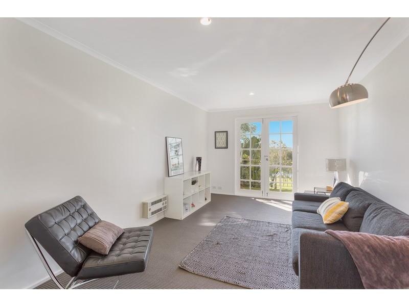 14/2 Ballarat Road, Footscray VIC 3011