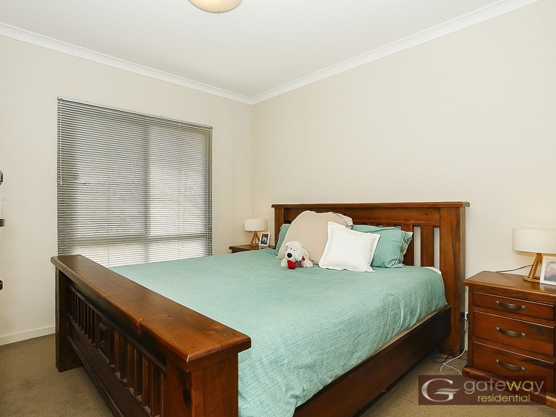 4/9 Ibera Way, Success WA 6164