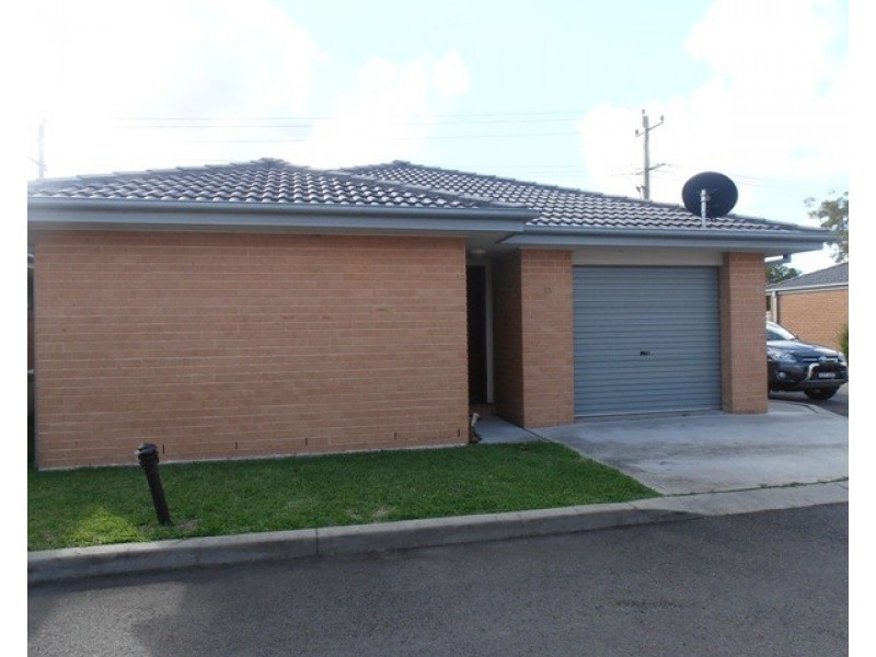 13/5 Quarter Sessions Road, Tarro NSW 2322