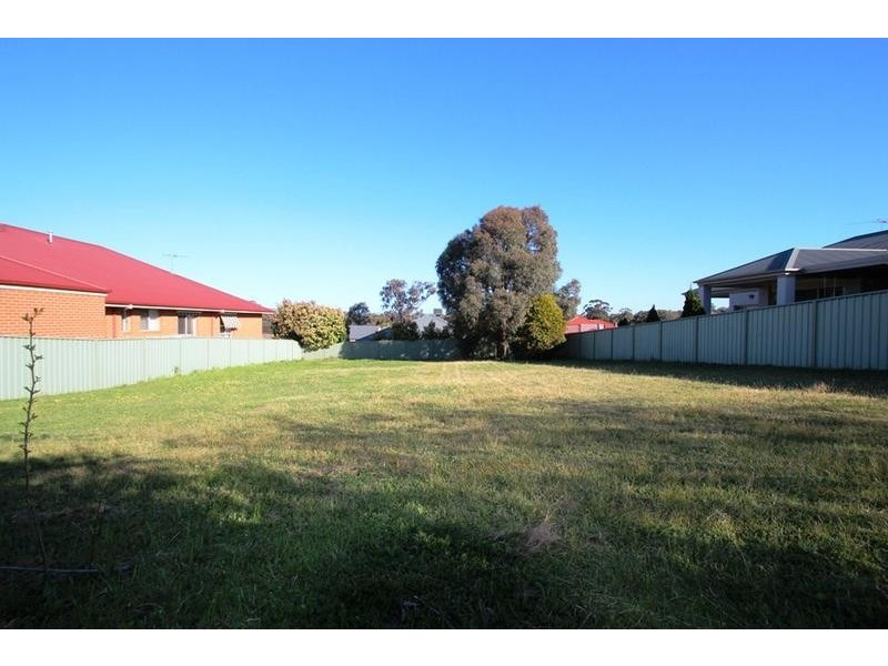 7 Eberle Close, Thurgoona NSW 2640