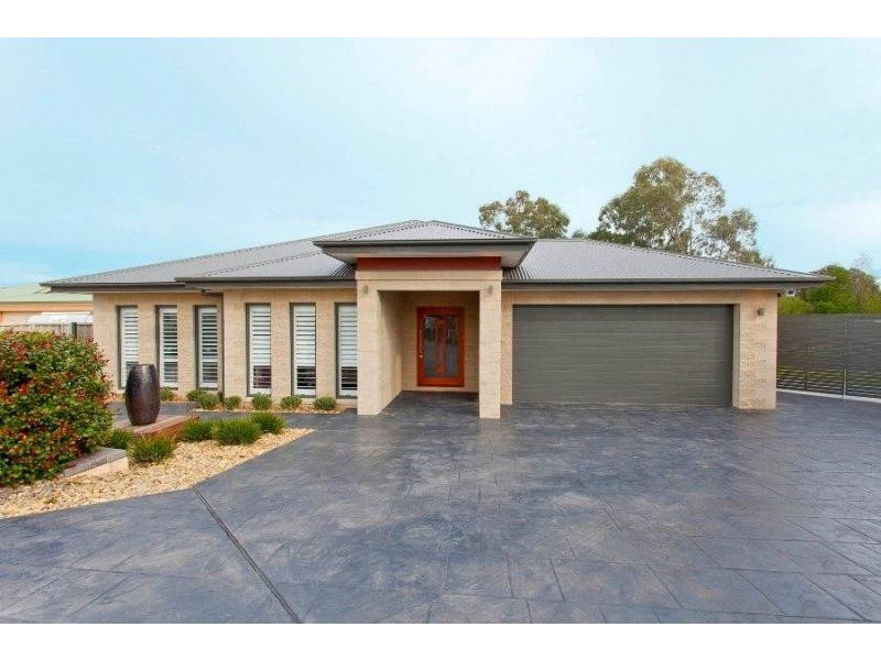 3 Bolger Court, Thurgoona NSW 2640