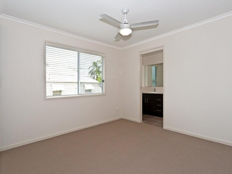 50 Mary Street, Blackstone QLD 4304