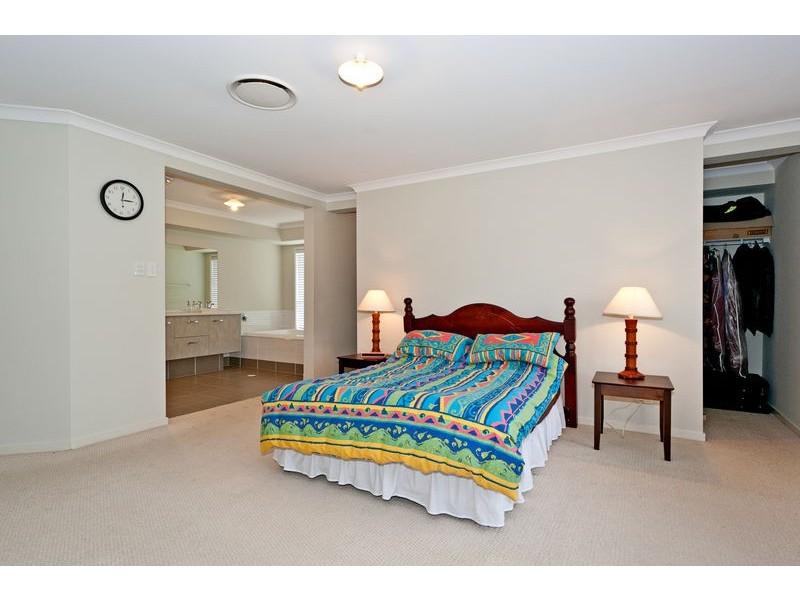 84 Kensington Drive, Flinders View QLD 4305