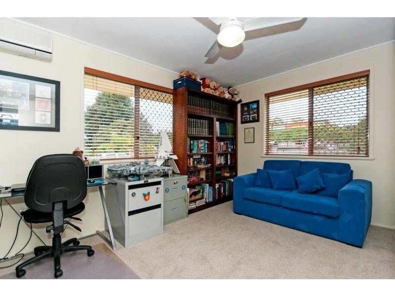 6 Bourke Street, Brassall QLD 4305