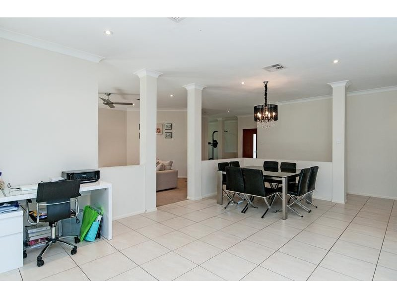 2 Donald Place, Brassall QLD 4305