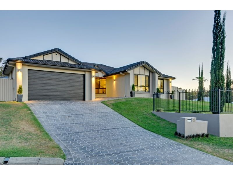 1 Yellowstone Court, Flinders View QLD 4305