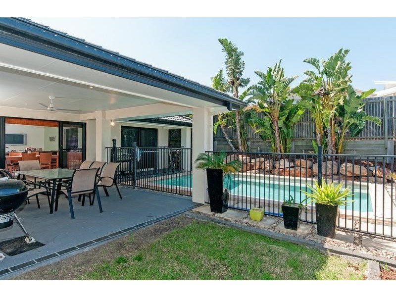 5 Falcon Court, Flinders View QLD 4305