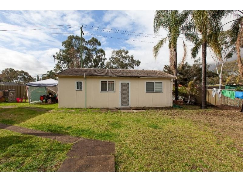 2 Wirralee St, South Wentworthville NSW 2145
