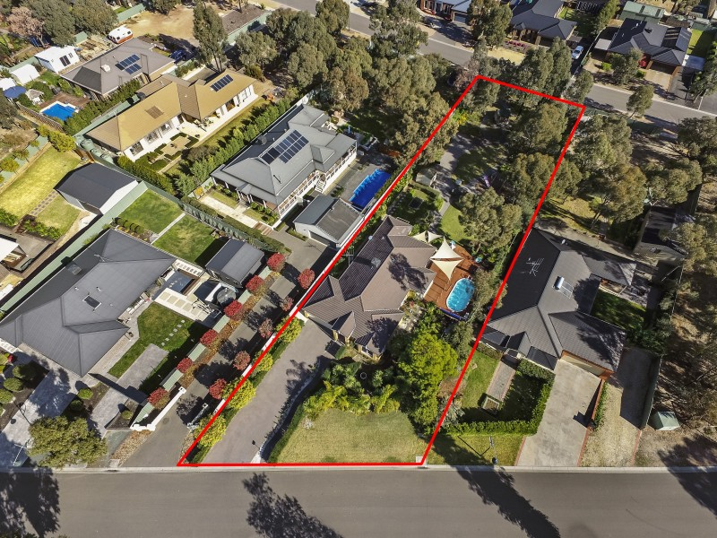 8 Janelle Drive, Maiden Gully VIC 3551