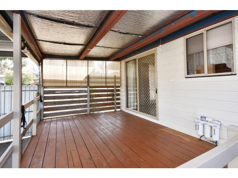 27 Thomas Street, Kangaroo Flat VIC 3555
