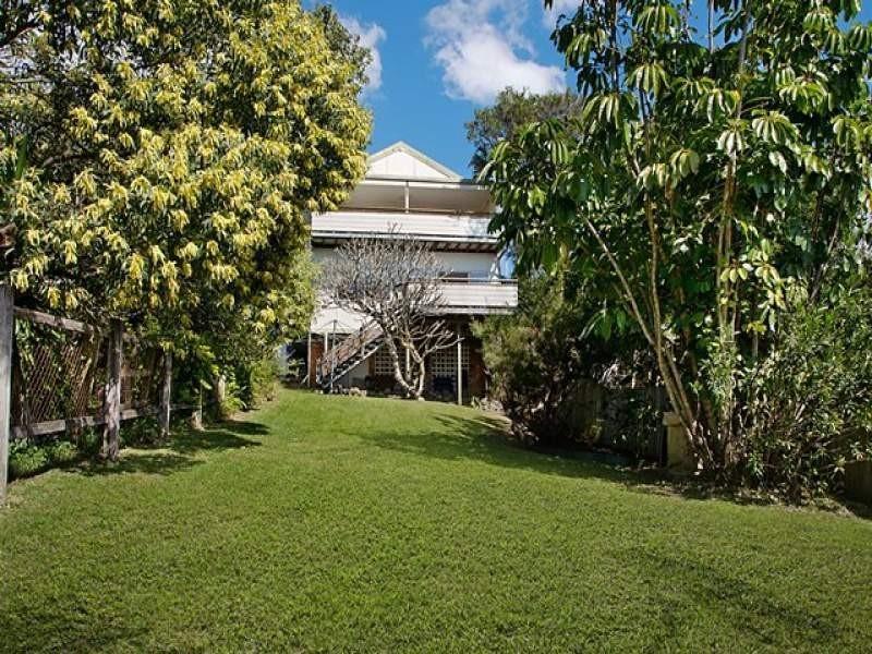 32 Buderim Avenue, Alexandra Headland QLD 4572