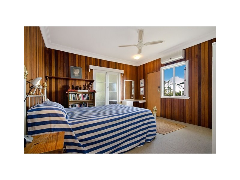 32 & 32A Buderim Avenue, Alexandra Headland QLD 4572