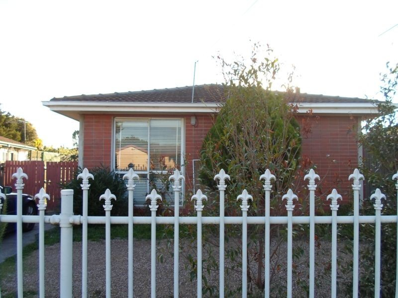 37 Oakwood Road, Albanvale VIC 3021