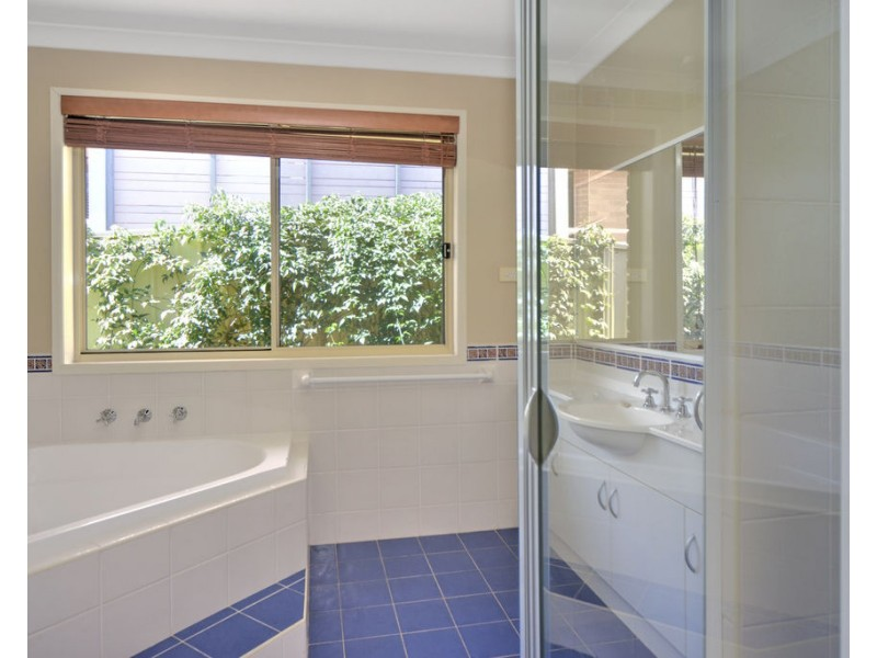 44 Warrigal Street, Nowra NSW 2541