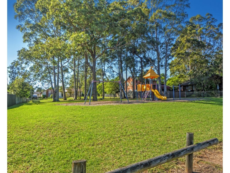 4 Pioneer Place, Nowra NSW 2541
