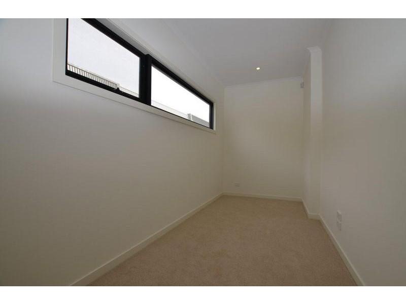 11 Souter Crescent, Footscray VIC 3011