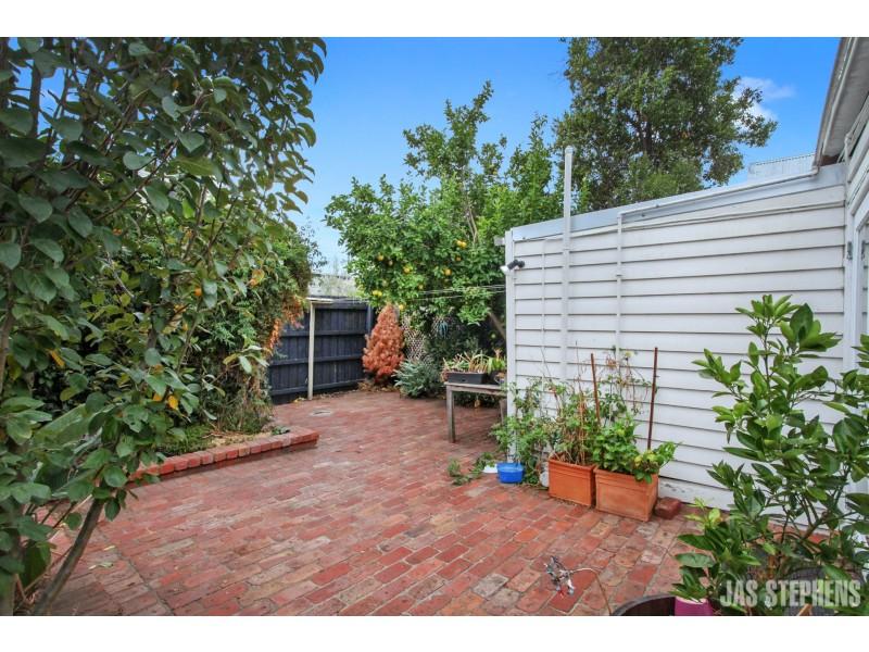 10 Tennyson Street, Seddon VIC 3011