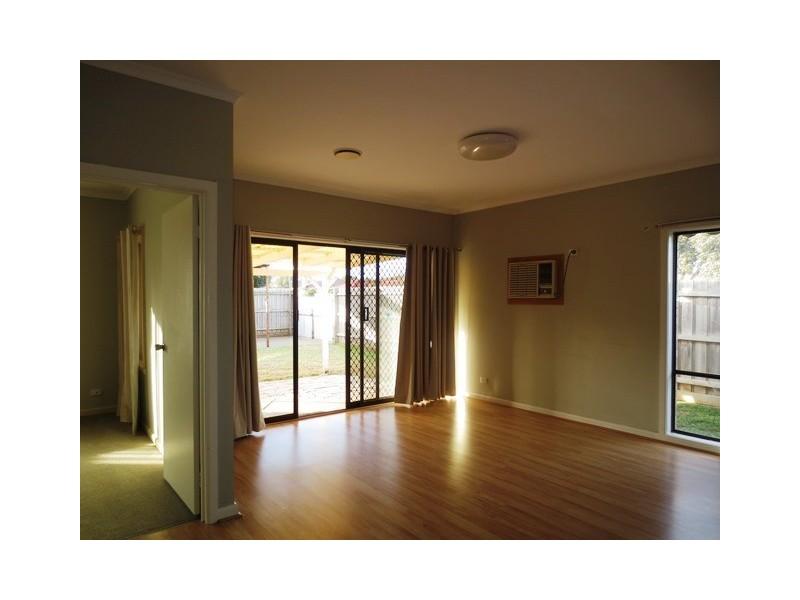 44 Cameron Avenue, Altona Meadows VIC 3028