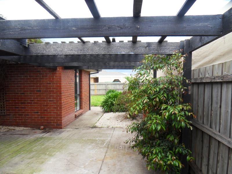 12 Hyde Court, Altona Meadows VIC 3028