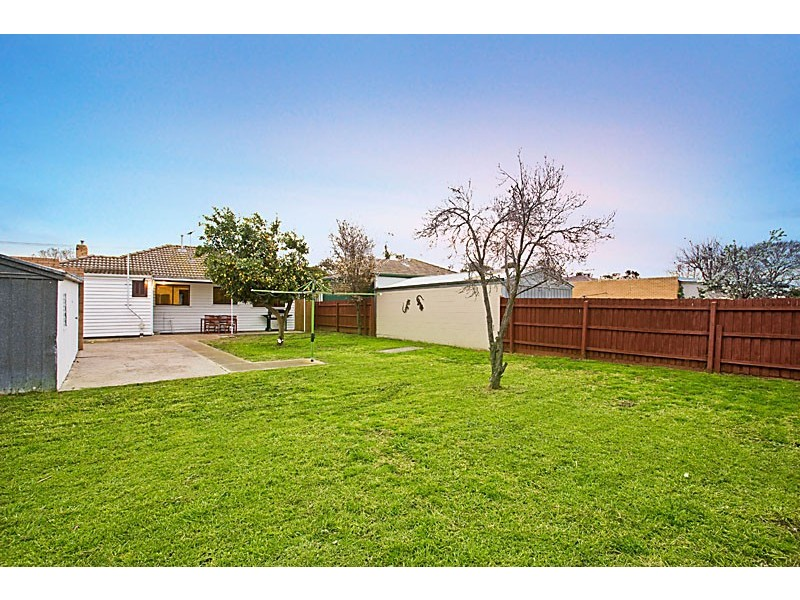6 Rosala Avenue, Altona North VIC 3025