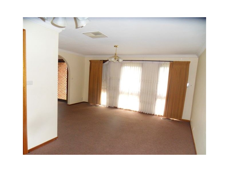 31 Edwards Drive, Altona Meadows VIC 3028