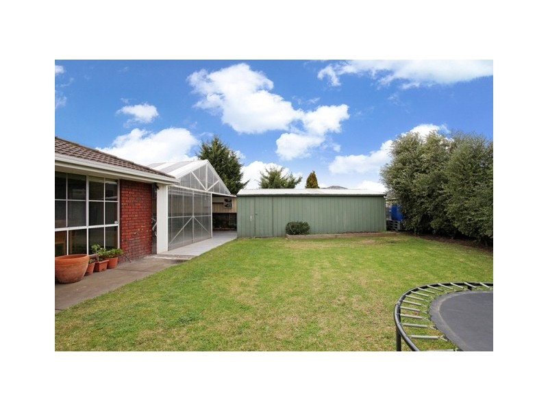 17 Taegtow Way, Altona Meadows VIC 3028