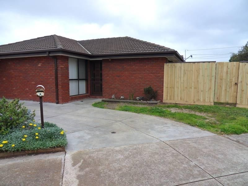 8 Hoddle Way, Altona Meadows VIC 3028