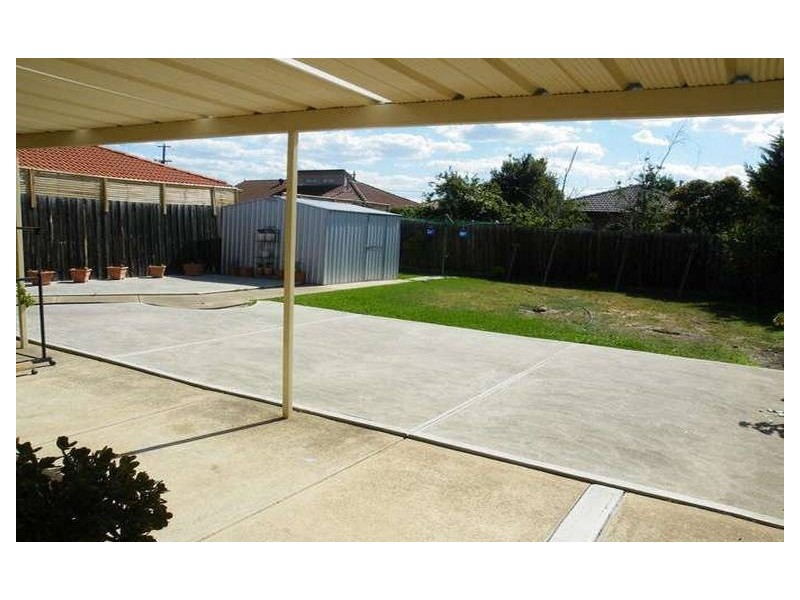 1 Pearce Court, Altona Meadows VIC 3028